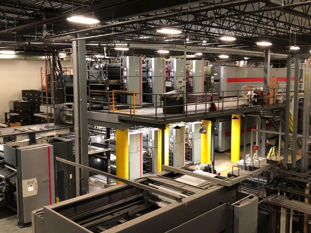 L'imposante presse Goss Sunday 3000 acquise par l'Imprimerie FL Web mesure 180 pieds de long sur 2 étages
