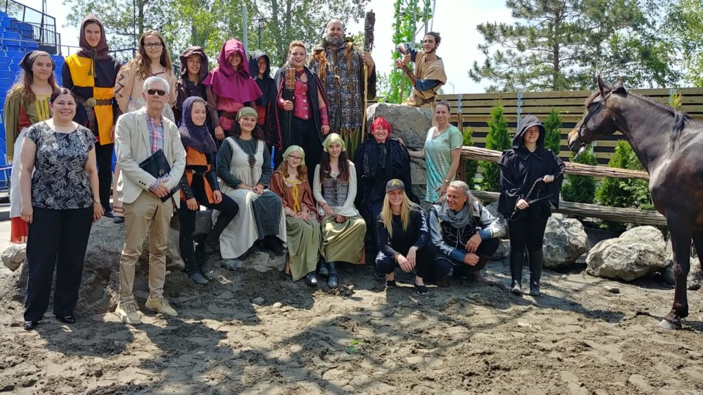 Photo de l'équipe d'Apzara accompagné des élus et de leurs représentants - Fagnan Relations publiques Drummondville