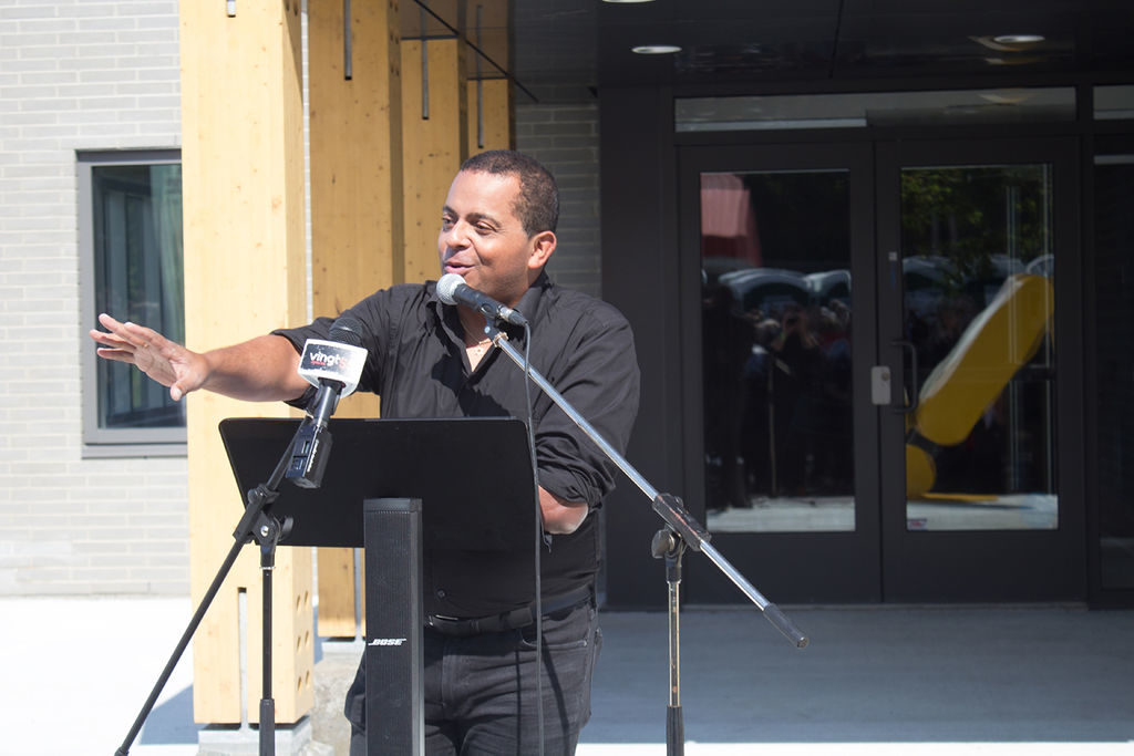 Gregory Charles inauguration Centre des loisirs - Fagnan Relations publiques